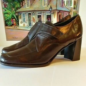 FABULOUS COACH WOMEN'S SHOES SIZE 9B